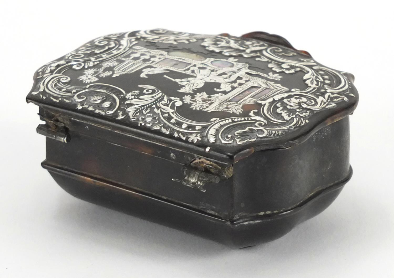 Lot 17 - Late 18th/Early 19th century tortoiseshell snuff box, the hinged lid inlaid with silver and mother
