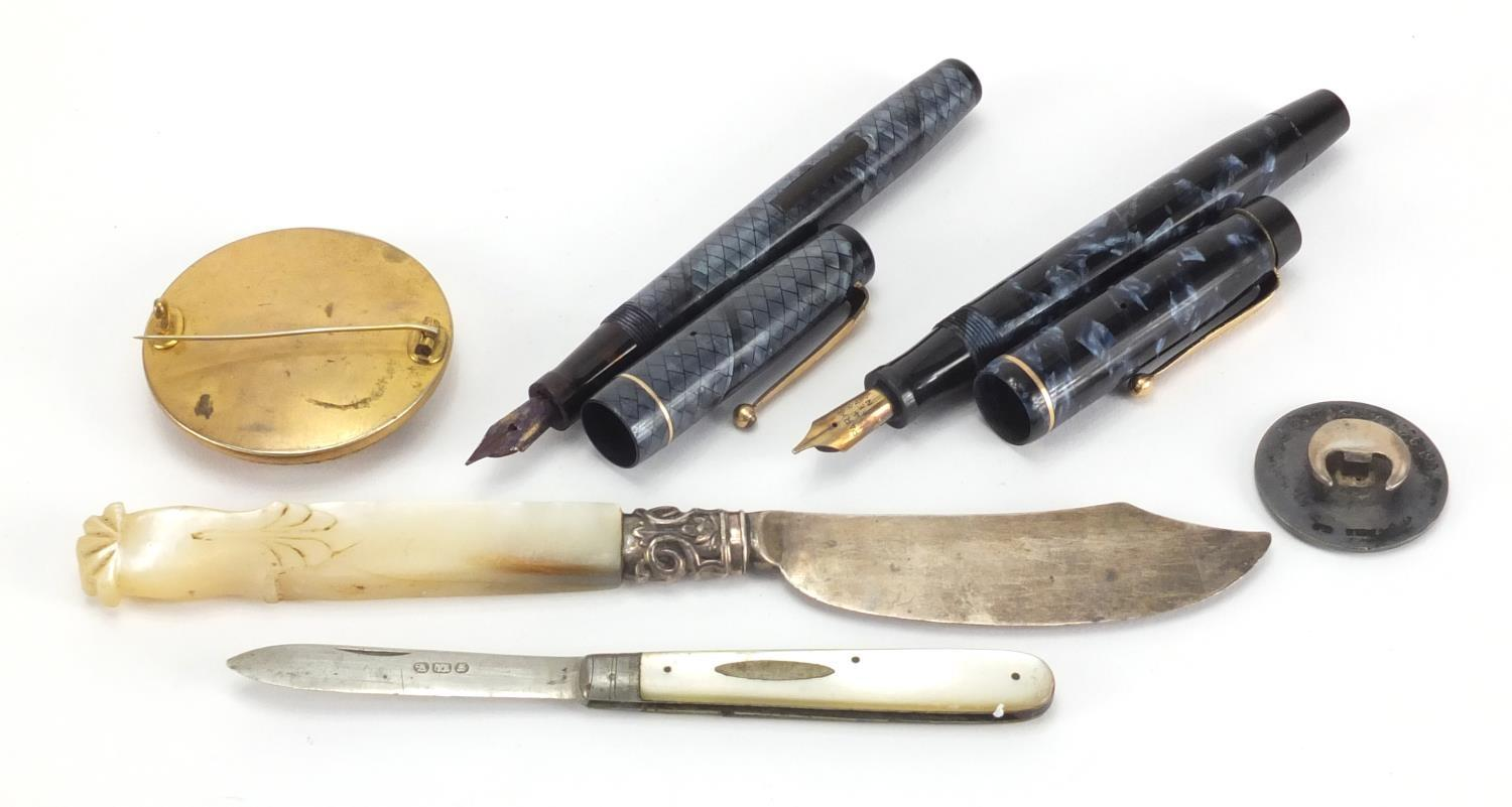 Lot 39 - Antique and later objects including Swan self filler blue snake skin fountain pen, Parker Victory