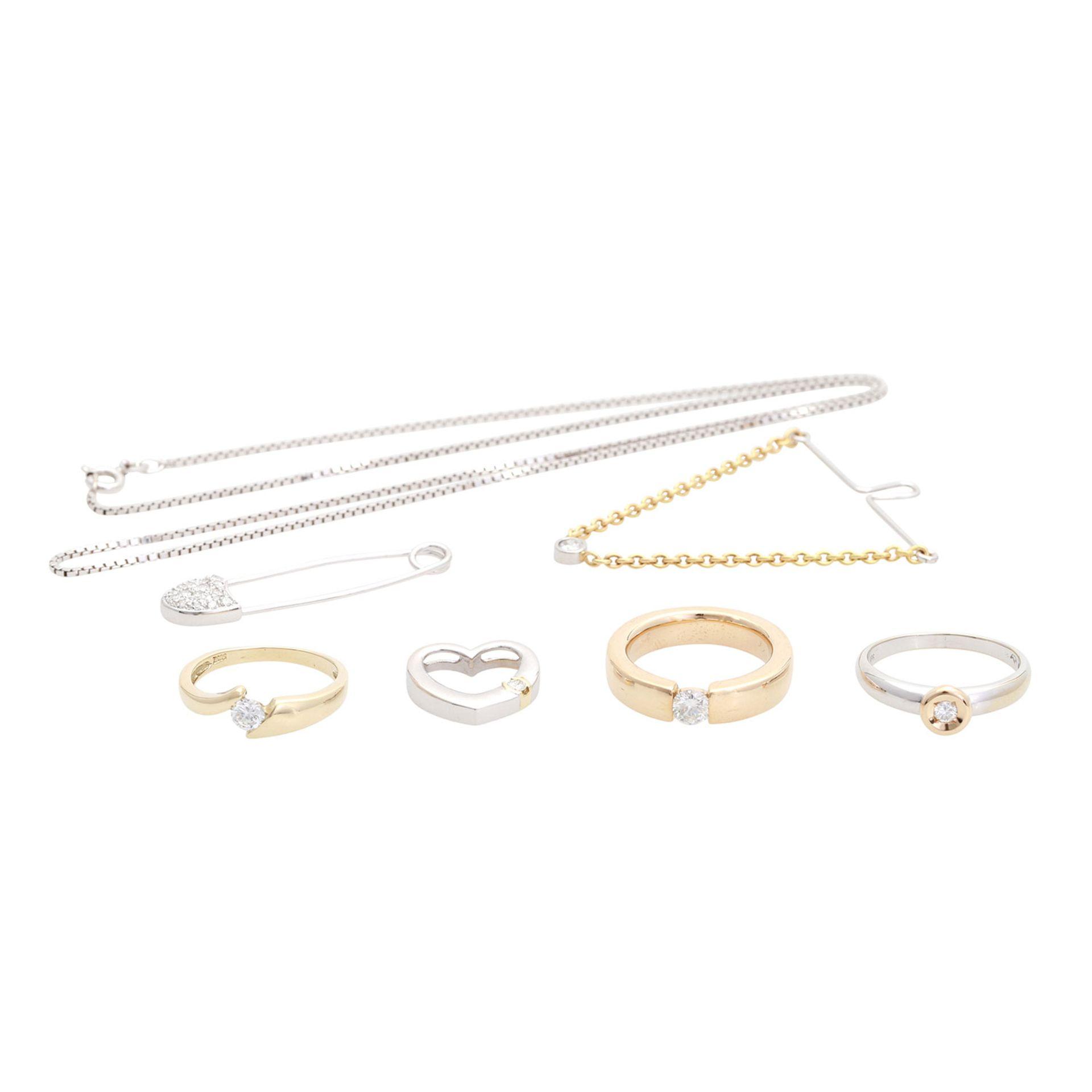 Los 3 - Schmuckkonvolut 7-teilig, Händlerkonvolut bestehend aus 3 Ringen, 1 Collierkettchen, 1 Anhänger, 1