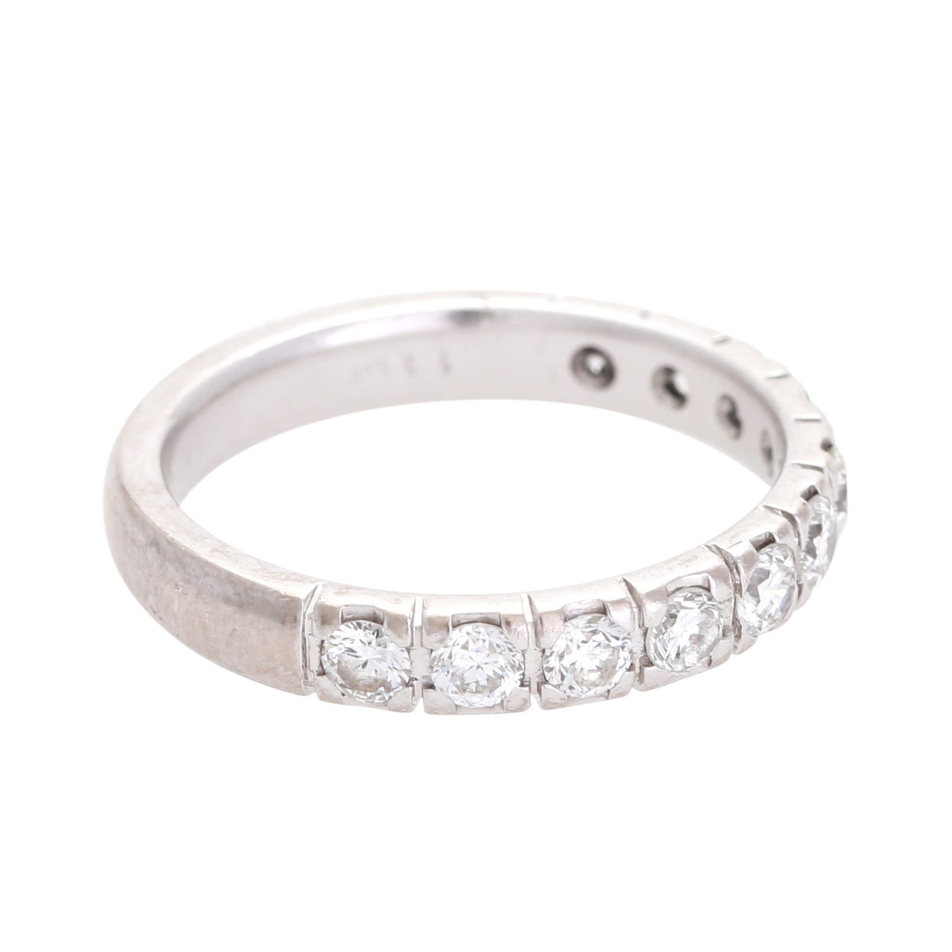 Los 138 - Halbmemoire Ring mit 11 Brillanten zus. ca. 0,80 ct. (punz.) W - LGW (H - J) / SI, WG 18K, RW: 53.