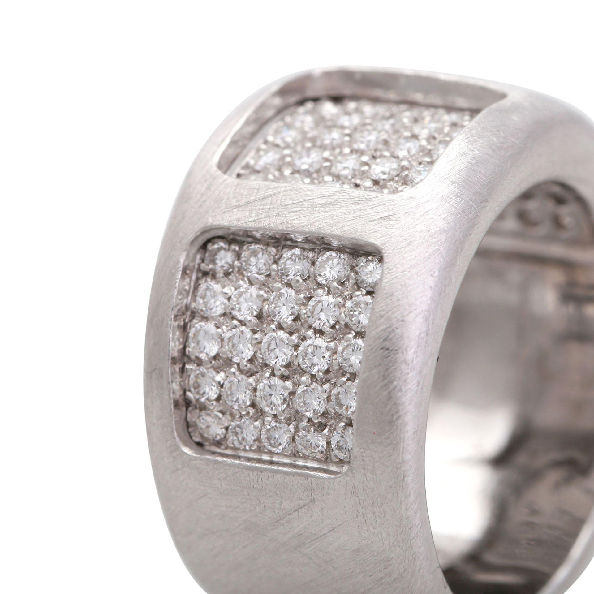 Los 103 - GIORGIO VISCONTI Ring mit 75 Diamanten, zus. ca. 0,75 ct, FW (F-G) /VVS - VS, WG 18K, RW 54,