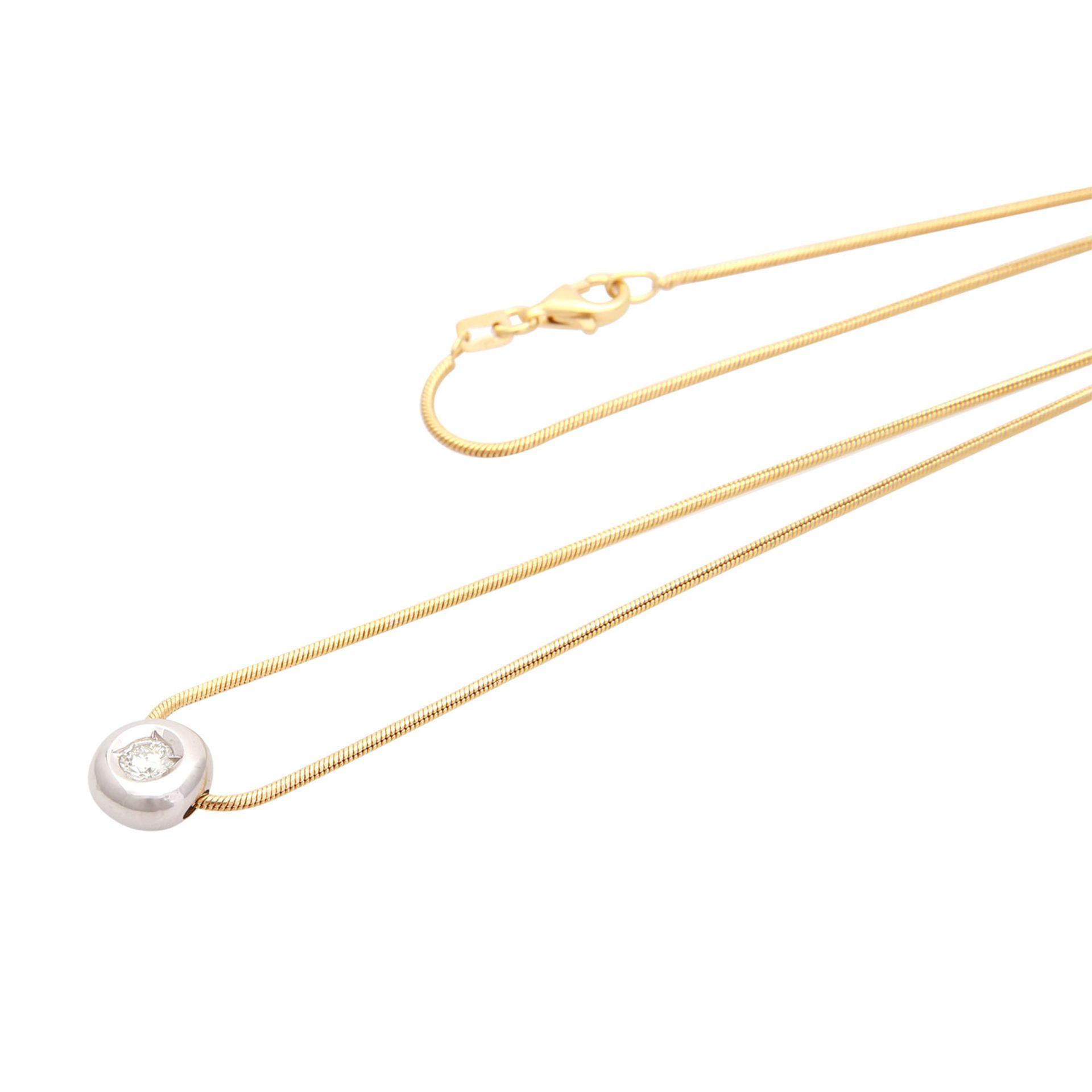 Los 125 - Collier Schlangenkette mit Brillant-Einhänger Brill. ca. 0,2 ct., GW / VS - VVS, GG / WG 14K, L: