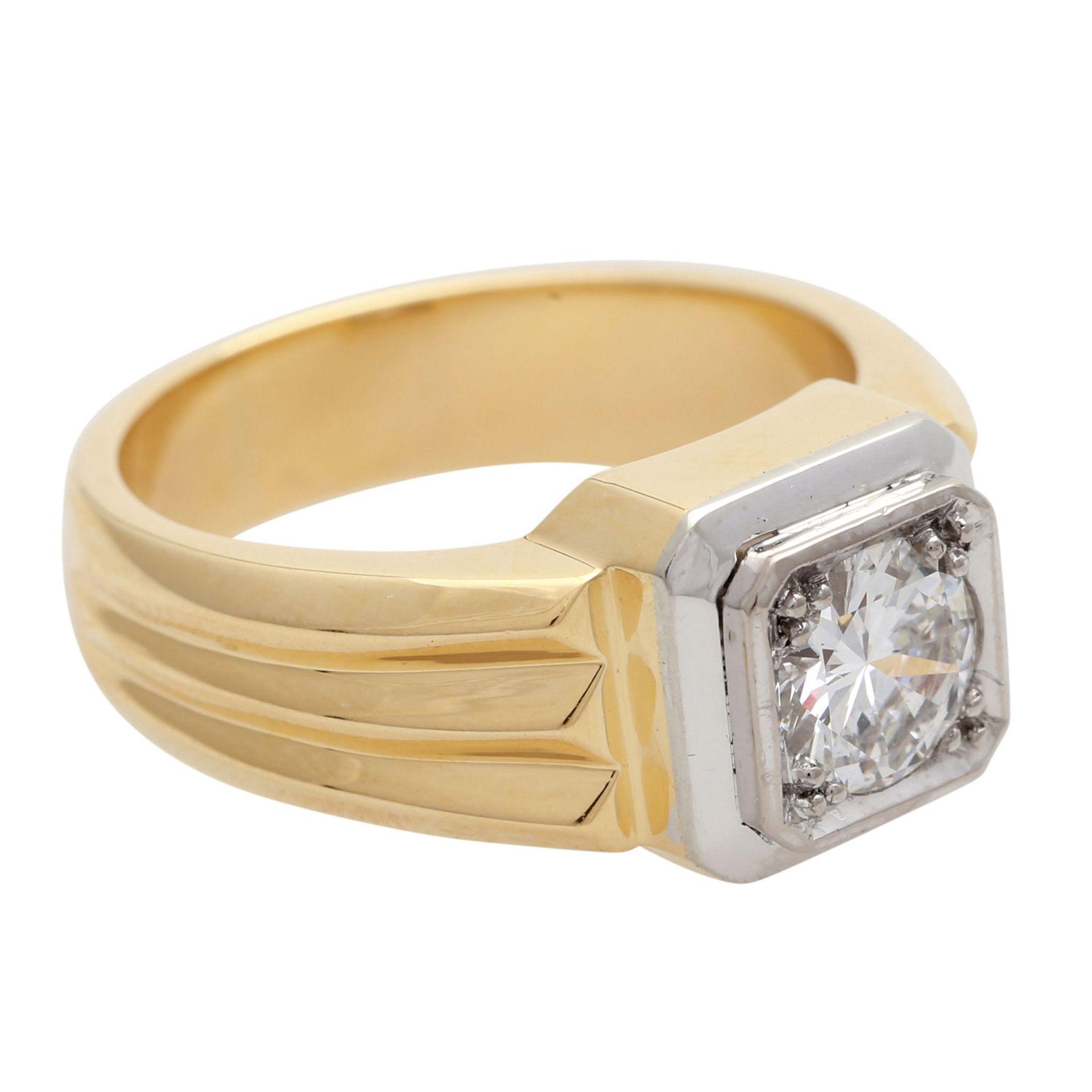 Los 33 - Solitär Diamantring mit Brillant im Übergangsschliff von ca. 1,08 ct. (grav.), WEIß (H), SI1, GG /