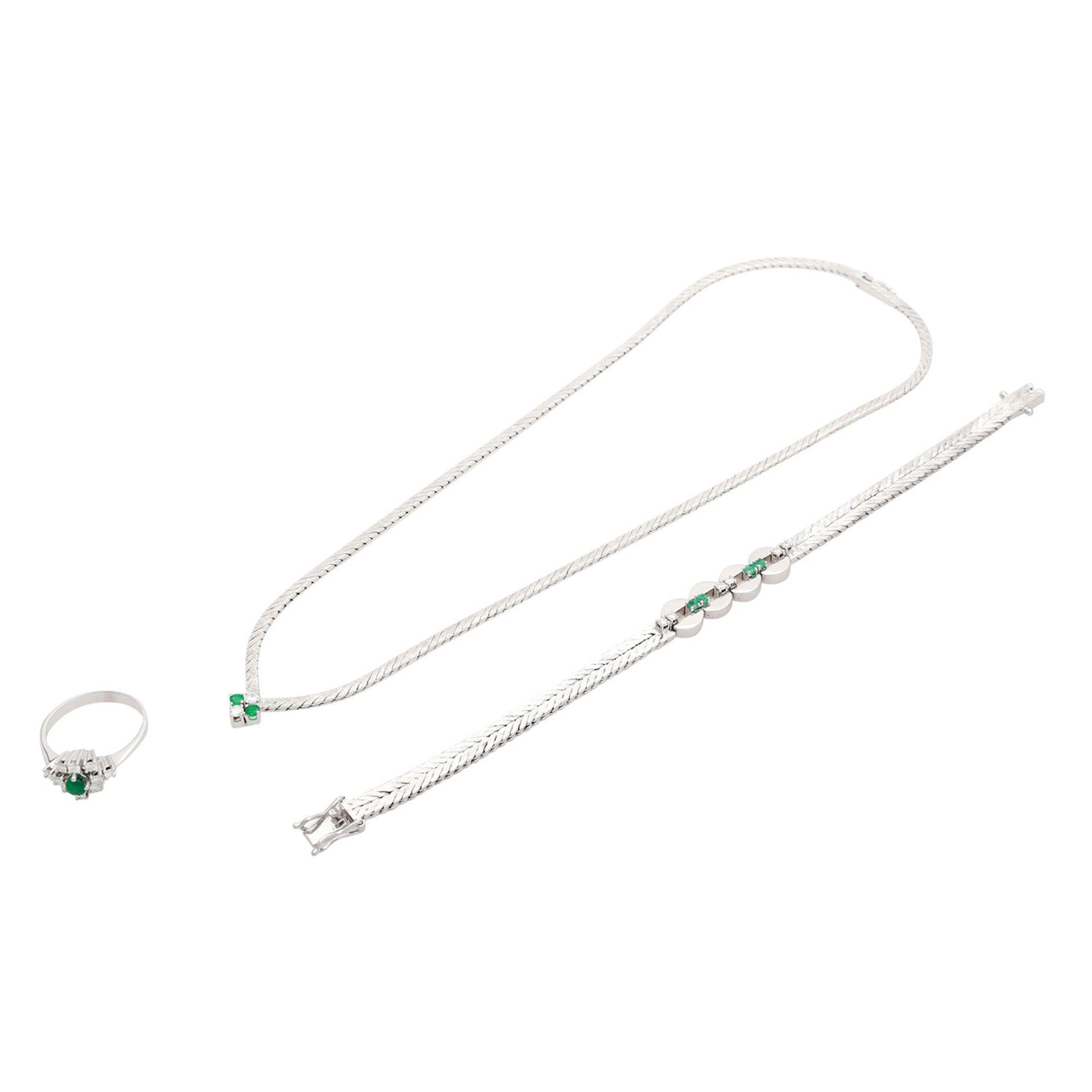 Los 15 - Schmuckkonvolut 3-teilig, Händlerkonvolut bestehend aus 1 Collier, 1 Armband, 1 Ring, WG 14K, mit