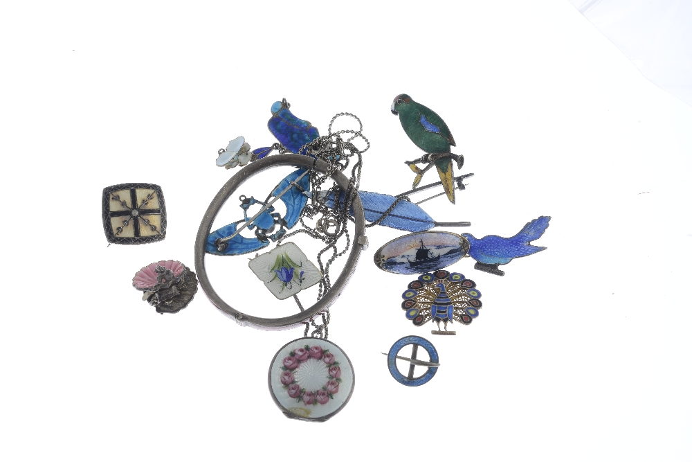Lot 25 - A selection of silver and white metal enamel jewellery. To include a David Anderson brooch of a