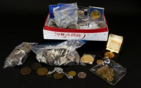 Box of Mixed Coins includes: Bag of GB shillings and old 5p's - approx.