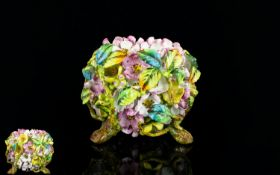 English Porcelain / Naturalistic Hand De