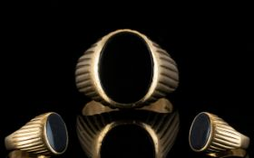 Gents 9ct Gold Single Stone Signet Ring, with Central Set Oval,