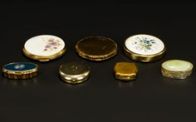A Collection Of Vintage Powder Compacts And Pillboxes To include Stratton gold tone etched floral
