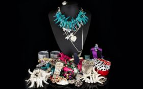 A Good Collection of Mixed Costume Jewel