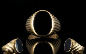 Gents 9ct Gold Single Stone Signet Ring,