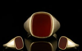 Gentleman's Heavy 9ct Gold Bloodstone Set Dress Ring of Solid Construction. Full Hallmark for 9.375.