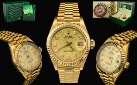 Rolex Oyster Perpetual 18ct Gold - Superb Datejust - Automatic Chronometer Ladies Wristwatch.