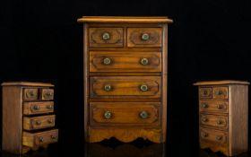 Georgian Style Good Quality - Handmade Oak Apprentice Piece Chest of Drawers. c.1900 - 1910. Well