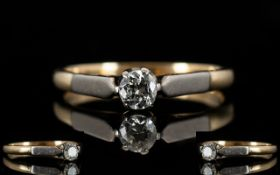 18ct Gold and Platinum Single Stone Diamond Set Dress Ring.