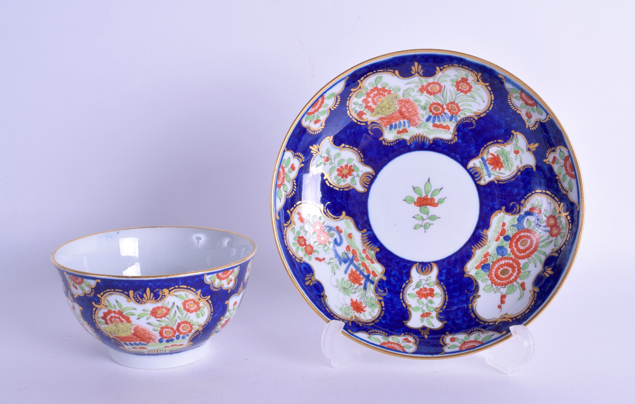 Lot 143 - Late 18th c. Barr Worcester teabowl and saucer of generous size painted with kakiemon style