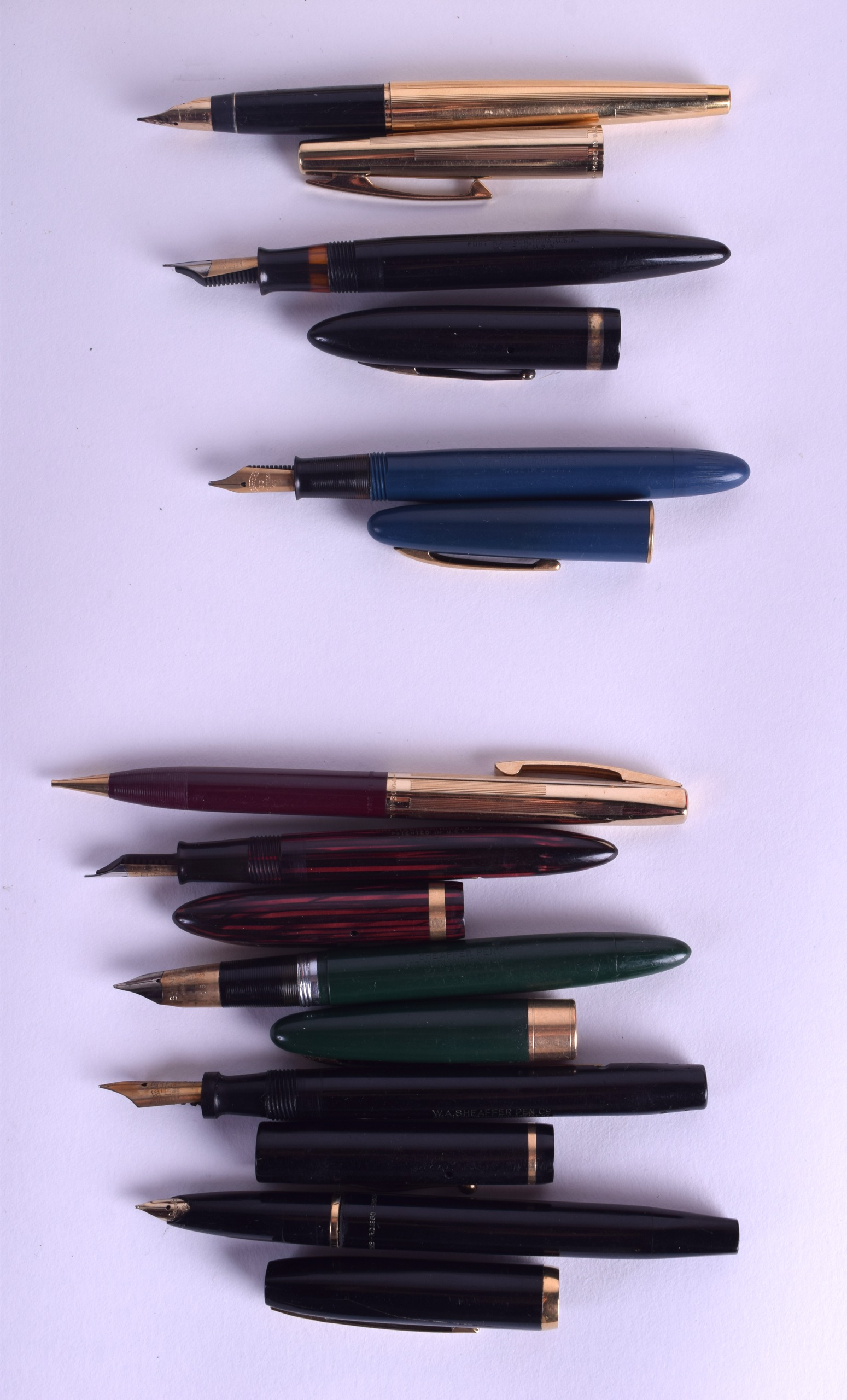 Lot 865 - A COLLECTION OF SHEAFFERS PENS including fountains, ball points & mechanical pencils, twelve with