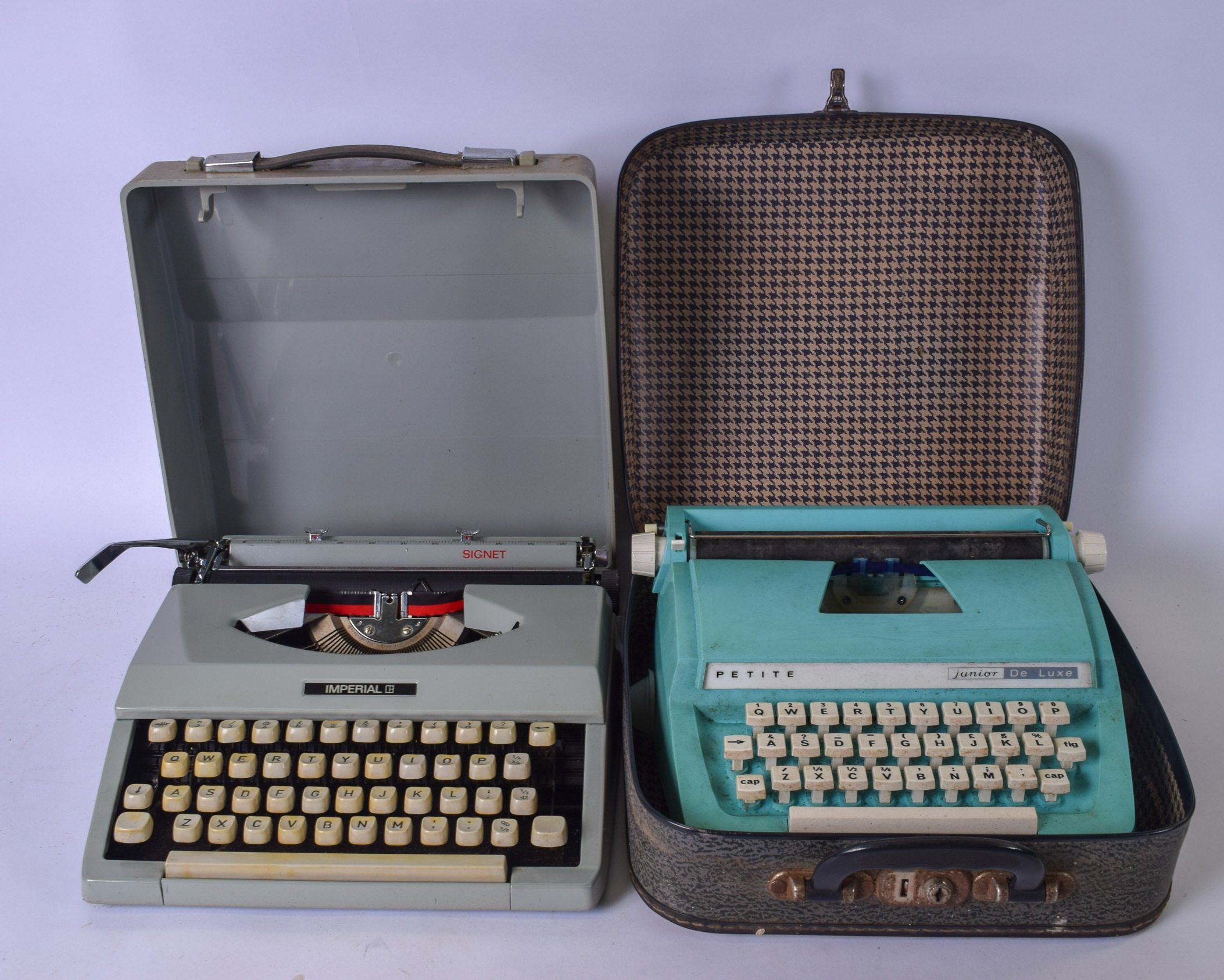 """Lot 2292 - A CASED VINTAGE PETITE TURQOUISE JUNIOR DE LUXE TYPEWRITER, together with a vintage """"Imperial"""""""