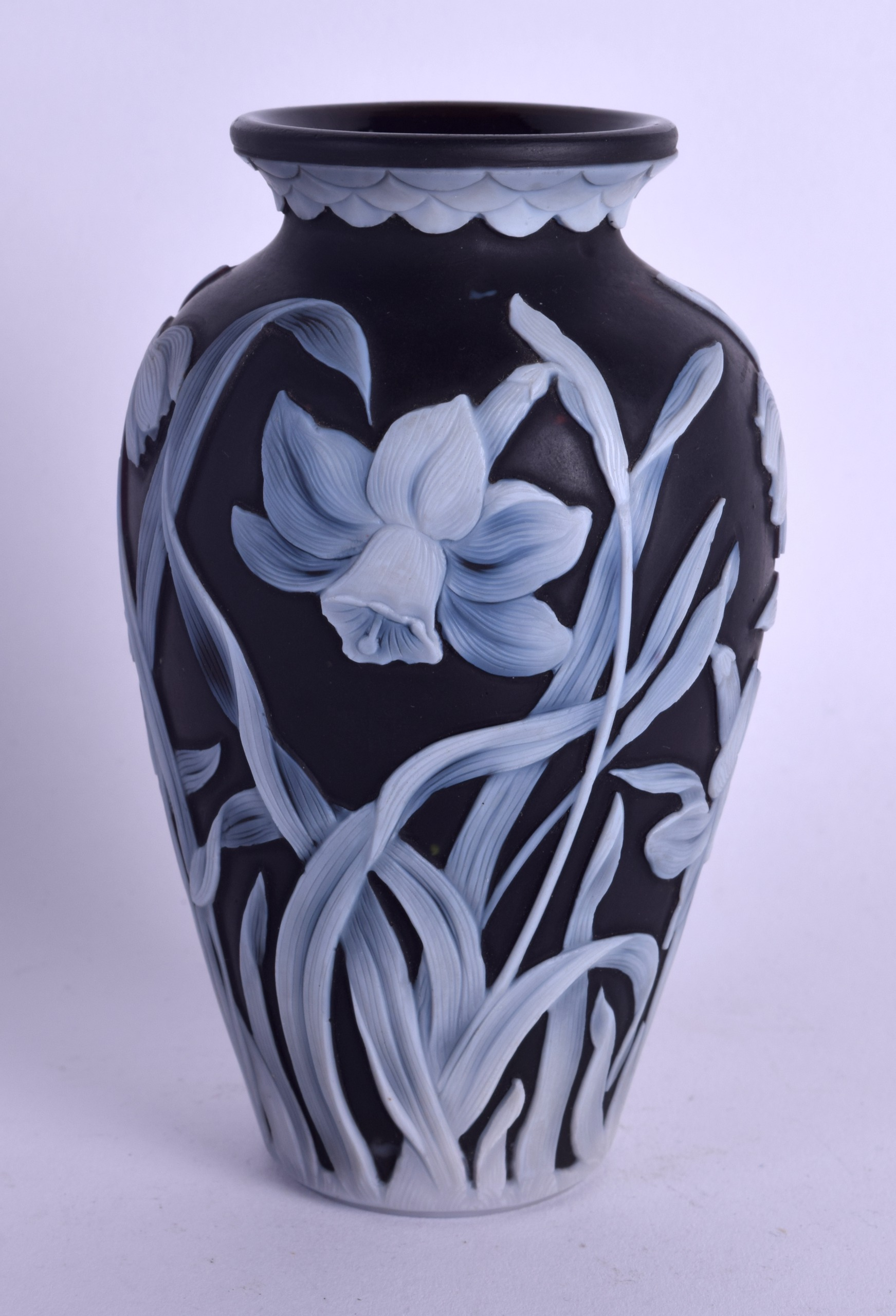 Lot 15 - A FINE ENGLISH BLACK CAMEO GLASS VASE Attributed to Thomas Webb, wonderfully decorated with