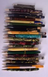 Lot 872 - A COLLECTION OF TWENTY TWO VINTAGE PENCILS including Vestal, Franklin, Autopoint etc. (22)