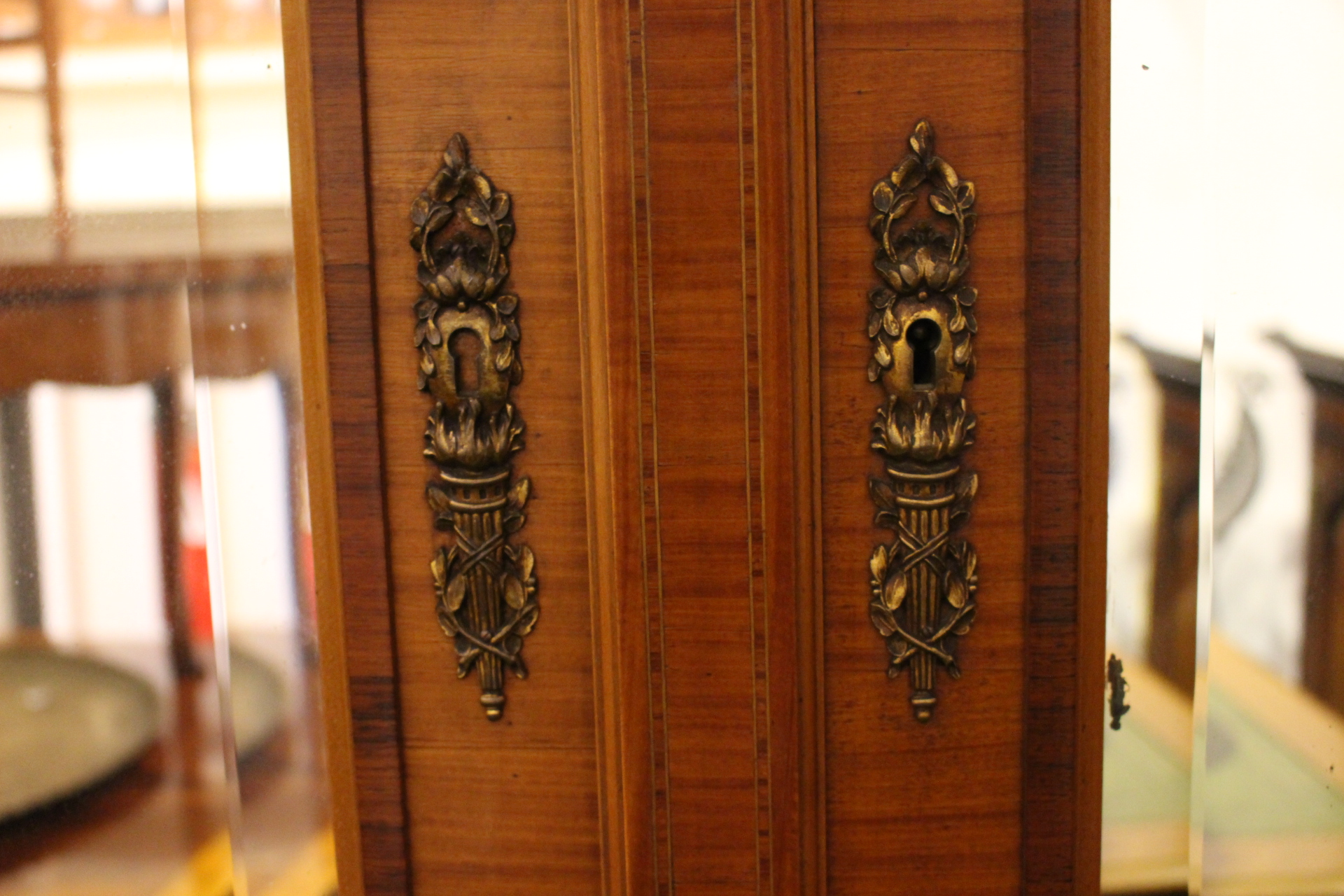 Lot 13 - AN ELEGANT FRENCH WARDROBE