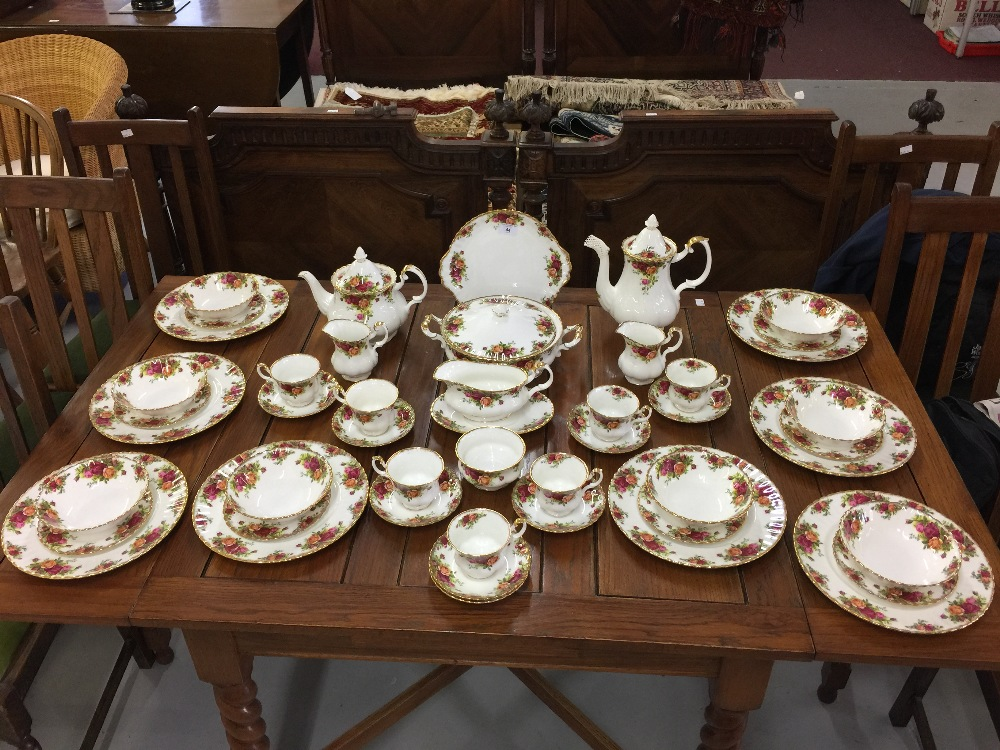 Lot 44 - 20th cent. Royal Albert 'Old Country Roses'. Comprised of 10ins. plates x 8, a bread and butter