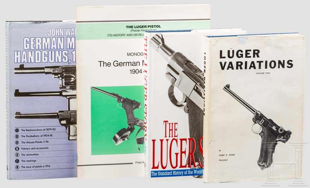 """Lot 15 - Vier Bücher: 3 x Luger und 1 x German Handguns 1 x John Walter """"The Luger Story"""" von 1995, über"""