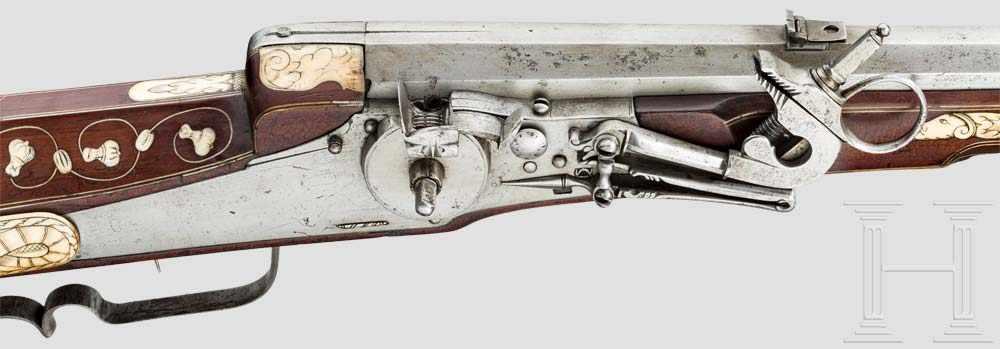 Lot 54 - Verbeinte Radschlossbüchse, deutsch, um 1650 Gezogener Oktagonallauf im Kaliber 18,5 mm, Seele