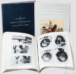 """Lot 25 - Drei Waffenbücher: Hans Reckendorf, Deutschland 1 x """"Die Militär-Faustfeuerwaffen des Königreiches"""