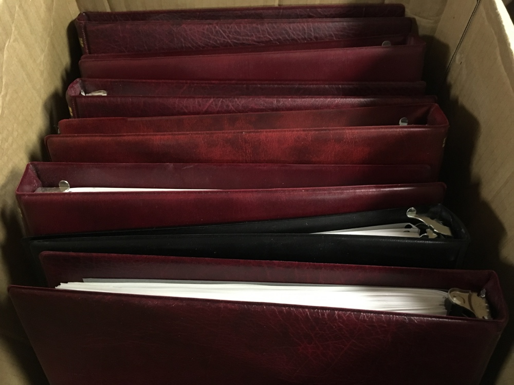 Lot 86 - SG ONE COUNTRY STYLE BINDERS (6) WITH LE