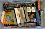 Lot 28 - Vintage Hornby Train set-mix lot ideal for collectors