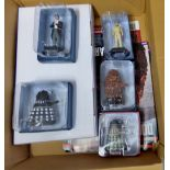 Dr Who-(5) Figures + Magazines + Plinth -Models-Supreme Dalek AEC9563-The Second Doctor AEO 3689-