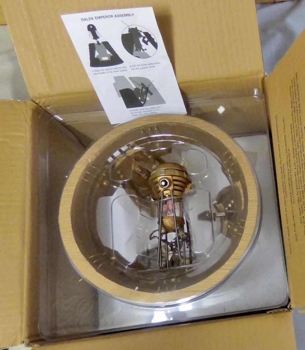 Lot 25 - Dr Who - Complete in mint condition-Dalek Emperor Assembly Kit - in original box - mint condition