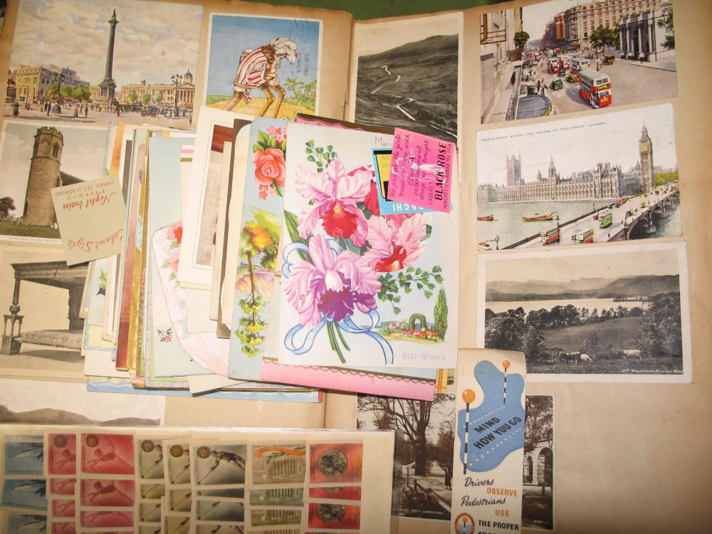 Lot 6 - EPHEMERA: quantity of greetings cards 1920s - 40s, together with 5 sheets of Russian and
