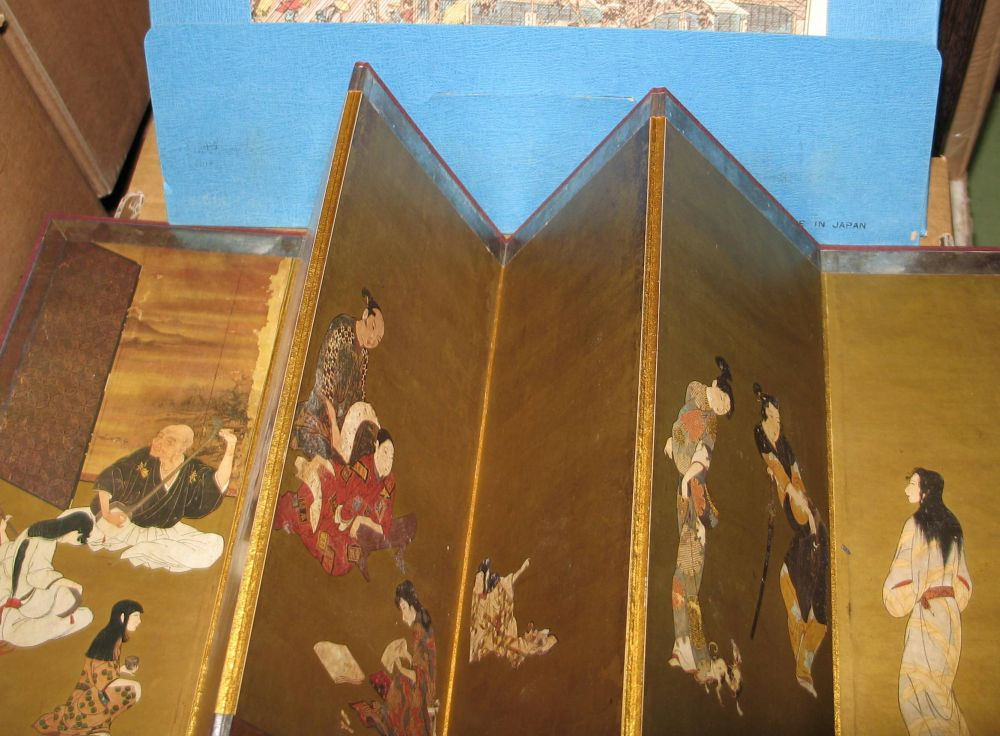 Lot 48 - An ORIENTAL free-standing, folding decorative table screen, and a set of prints in original folder.