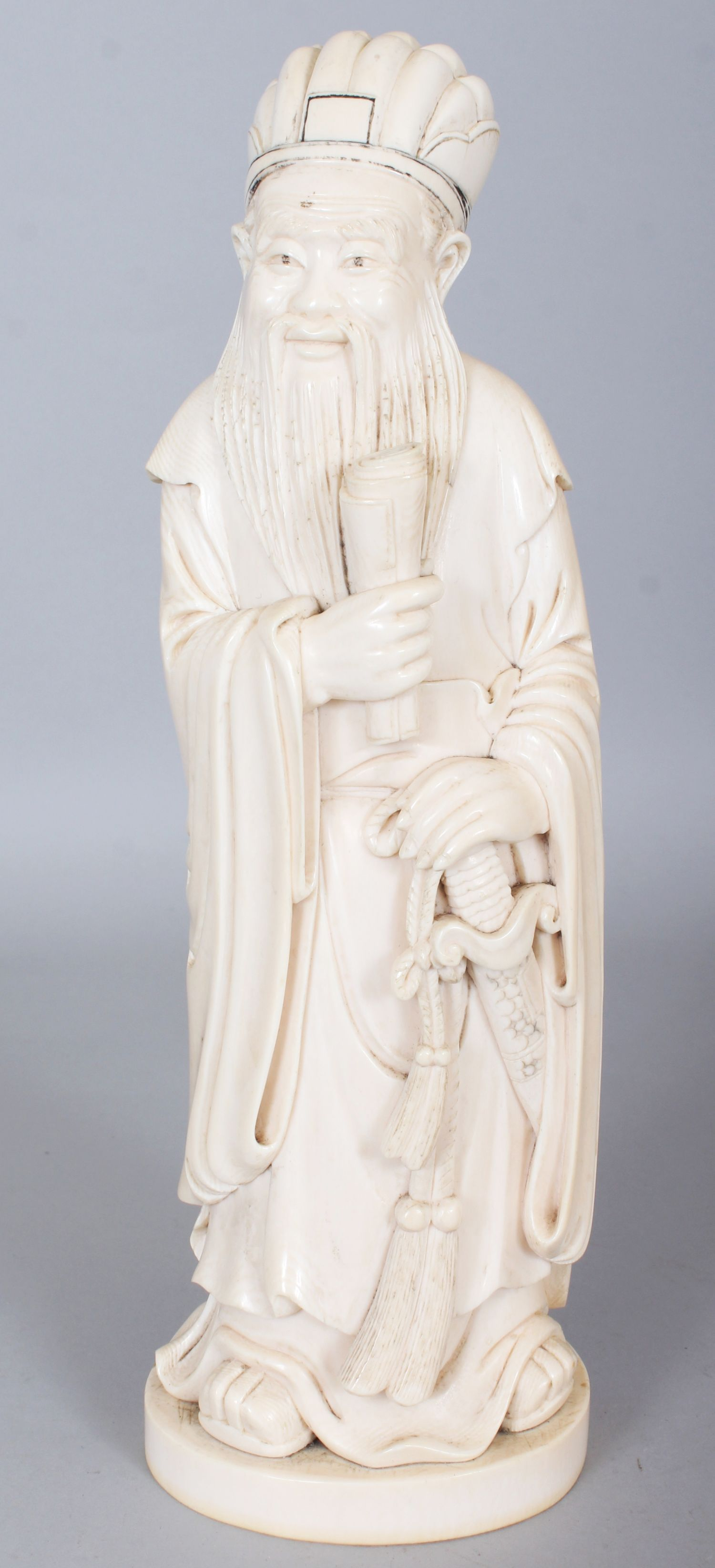 b2c3d4049 Lot 425 - A GOOD LARGE EARLY 20TH CENTURY CHINESE CARVED IVORY FIGURE OF A  STANDING ...