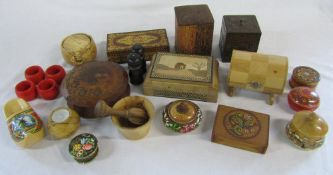 Assorted treenware inc boxes, napkin rings,