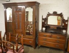 Edwardian triple wardrobe & dressing table (af - piece requires reattaching)