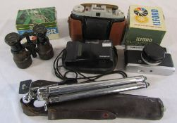 Assorted cameras and equipment inc Olympus AF-10,