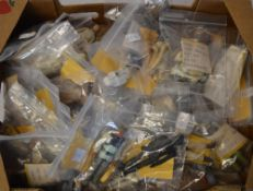 Box of loose Star Wars figures,