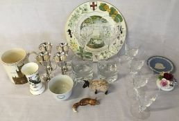 Various items of glassware & ceramics including engraved collectors glasses,