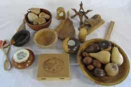Various treenware inc turned fruit and bowls,