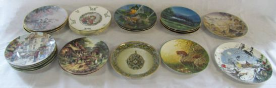 25 assorted collectors plates inc Royal Doulton