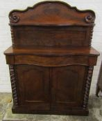 Small Victorian mahogany veneer chiffonier with barley twist colums (one repaired) H135cm W102cm