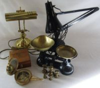 2 table lamps,