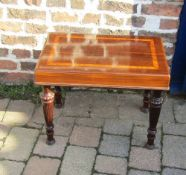 Victorian bidet & cover with rosewood & burr walnut inlaid cover on reeded legs (missing basin)