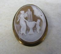 9ct gold classical design cameo brooch 4.5 cm x 3.