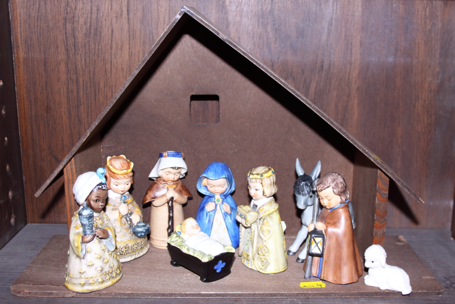 Lot 11 - A Hummel nativity set, complete with wooden stable