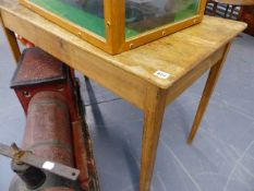 AN ANTIQUE PINE SMALL TABLE. W.114cms.