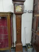 A GOOD EARLY 18th.C.STYLE GRANDMOTHER LONGCASE CLOCK WITH SLENDER OAK CASE. 18.5cms BRASS ENGRAVED